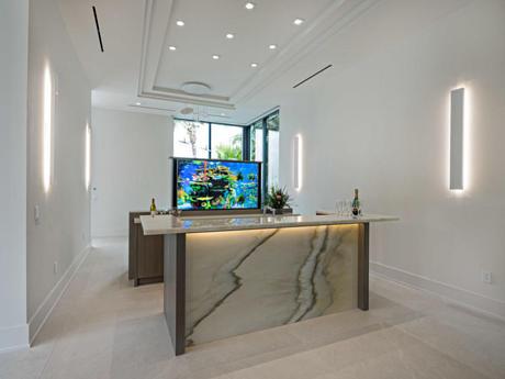 Click for 160 Spyglass Lane  slideshow