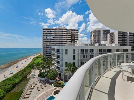 Click for 4600 N Ocean Drive #701 slideshow
