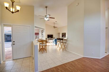 Click for 548 Rookery Place  slideshow