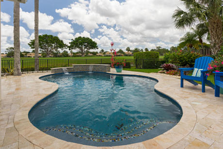 Click for 8256 Heritage Club Drive slideshow