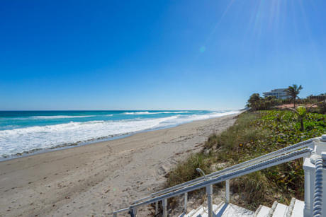 Click for 607 S Beach Road  slideshow