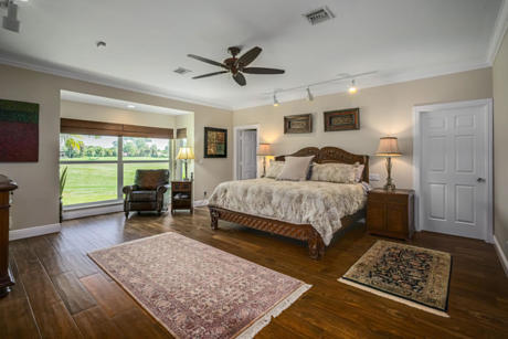 Click for 10 Wycliff Road slideshow