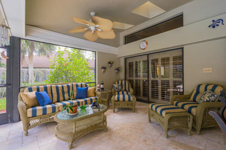 Click for 7 River Chase Terrace slideshow