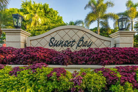 Click for 156 Sunset Bay Drive slideshow