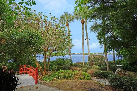 Click for 1800 S Ocean Boulevard  slideshow