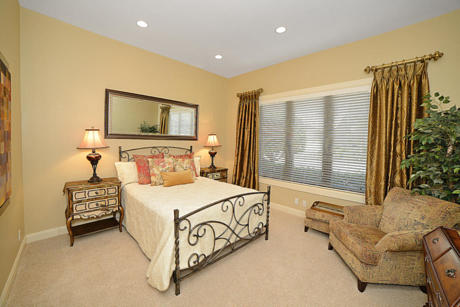 Click for 7826 Afton Villa Court  slideshow