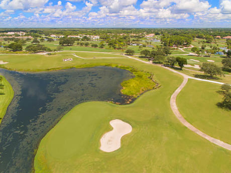 Click for 109 Club Drive slideshow