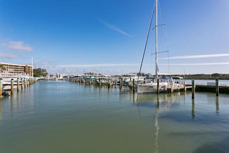 Click for 1542 Jupiter Cove Drive #106 slideshow